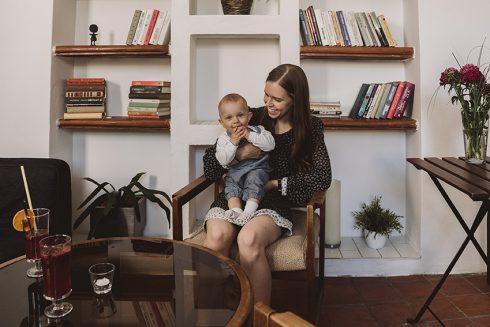 Pacientka o Crohnovej chorobe: Keď sa narodil môj syn, uvedomila som si, že pôrod nebol taký strašný. Črevá občas hnevajú viac