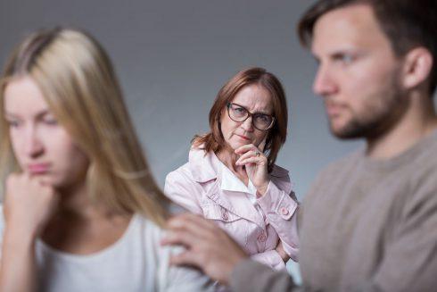 Za vaše nevydarené vzťahy môžu rodičia! Ako to?