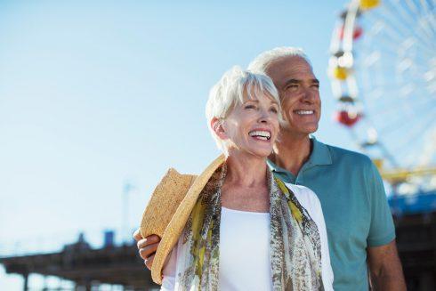 Život sa zlepšuje po päťdesiatke: prečo vek pracuje v prospech šťastia?